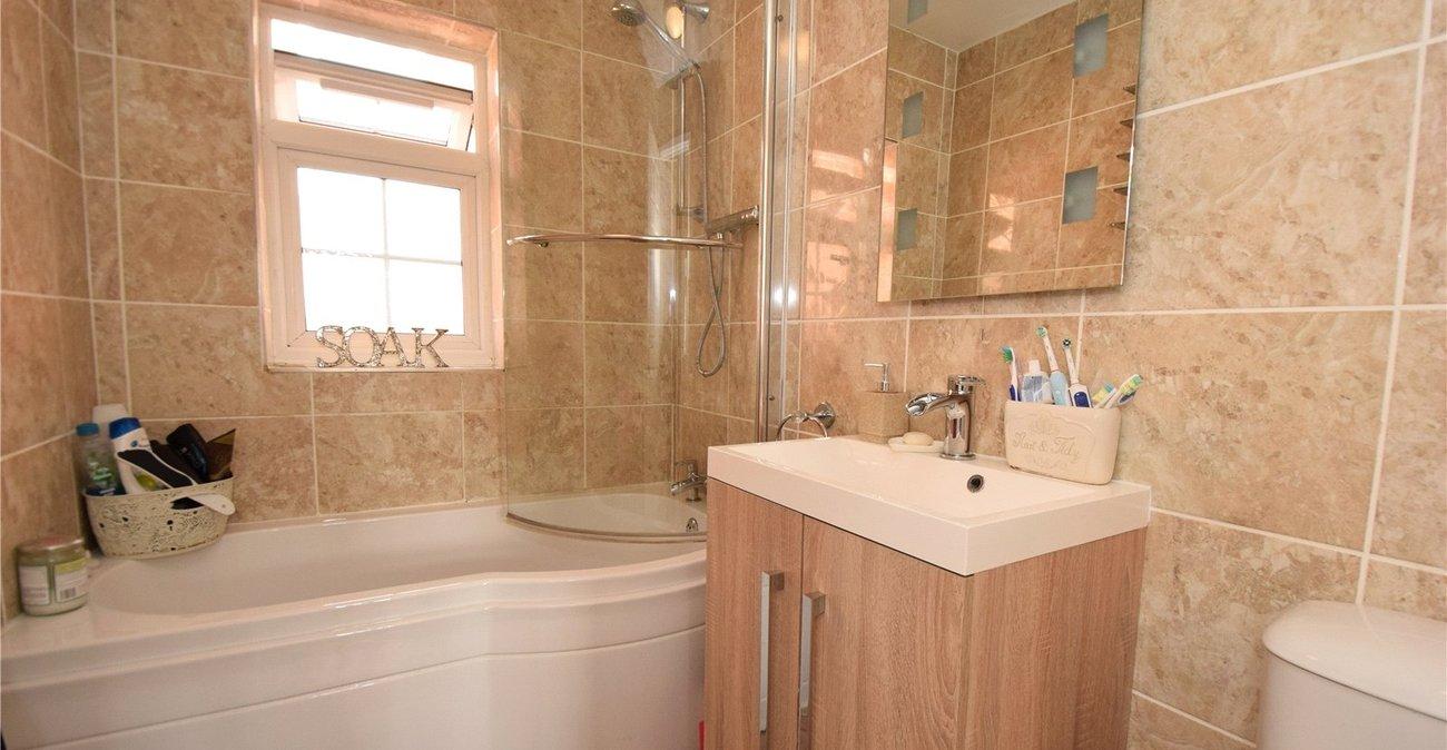 House for sale in Dawson Drive Hextable Kent BR8 Robinson Jackson. Tubs Bathrooms Hextable