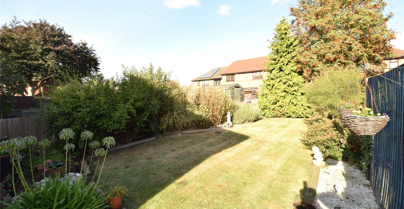 House for sale in hayes road greenhithe kent da9 for 11 jackson terrace freehold nj